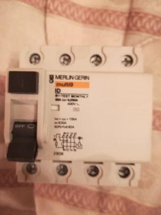 diferencial merlín gerin 25 Amp tetrapolar