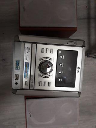 mini cadena HIFI LG LX-U251
