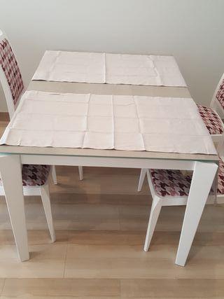 Juego de caminos de mesa de Zara Home