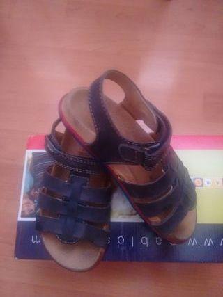 sandalias Pablosky 32 azul marino , de
