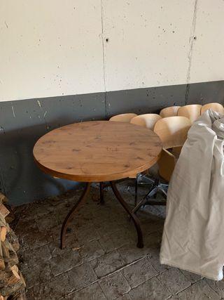 Mesa redonda madera patas forja óxido