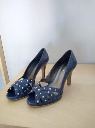 Zapatos nuevos N. 38