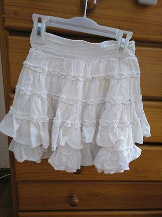 2adef148c9 Falda blanca elástica de segunda mano en Valencia en WALLAPOP