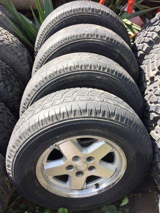 Juego de 4 llantas y neumáticos para 4x4 michelin
