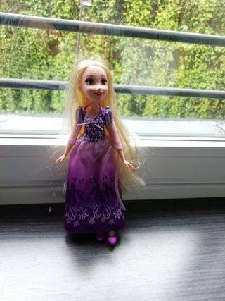 muñeca de enredados