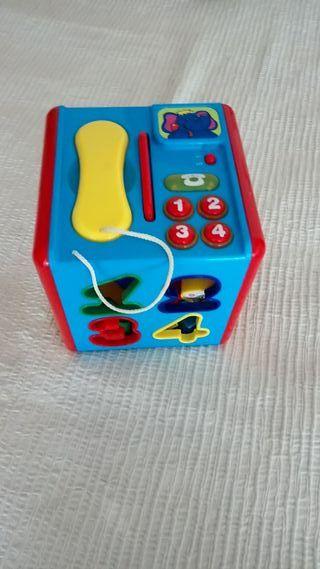 Juguete cubo de actividades