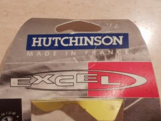 Neumático HUTCHINSON