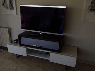 televisor y equipo de musica