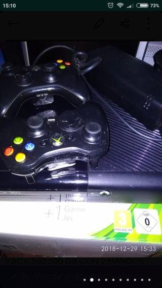 Xbox 360 + 2 mandos inalámbricos