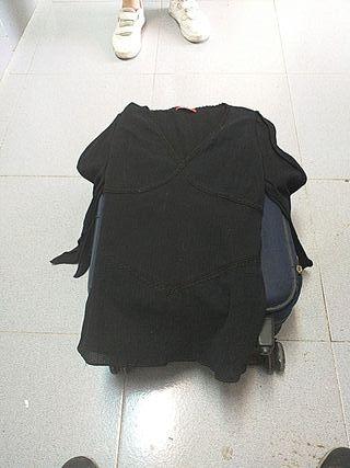 camiseta negra a estrenar