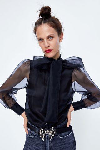 blusa negra transparencias con lazo zara
