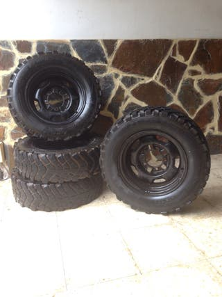 Llantas + Neumáticos 4x4