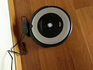 Roomba e5.