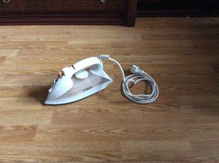 Plancha de vapor Bosch, 2000W, color blanco.