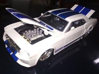 Ford Mustang Escala 1\24 1965