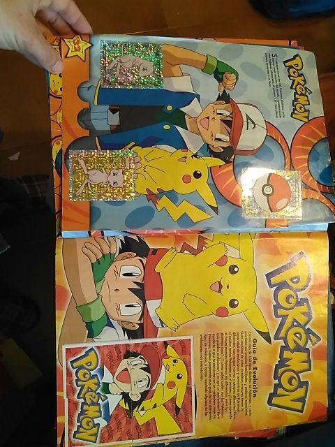 álbum de cromos Pokemon