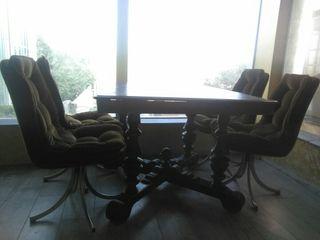 mesa estilo clásico