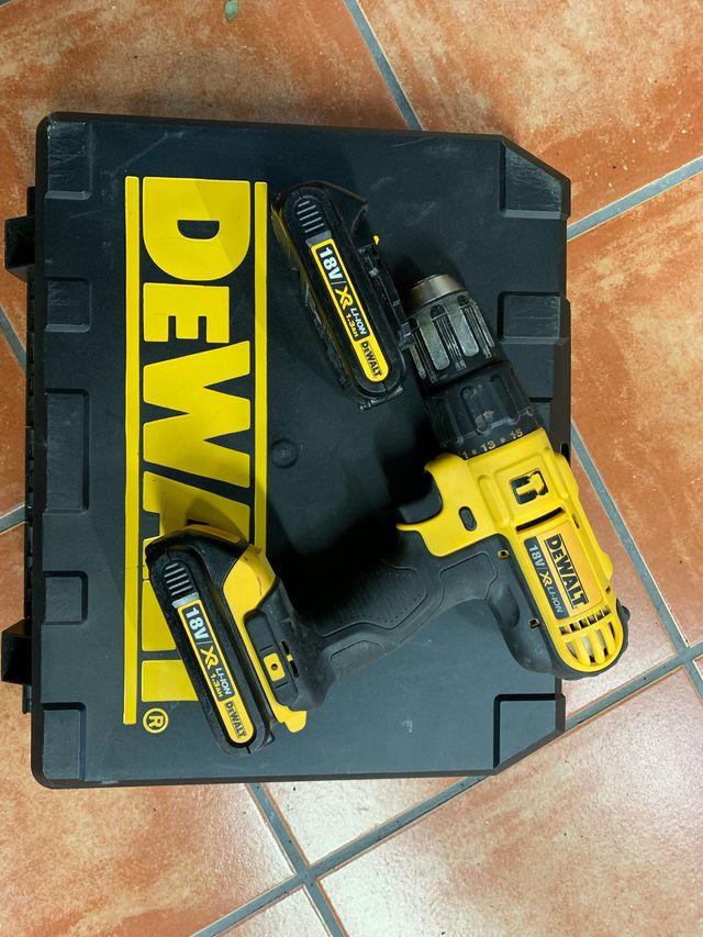 Taladro percutor Dewalt 2 baterías