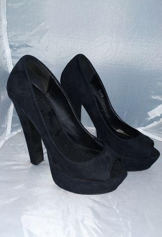 Zapatos tacón 37.