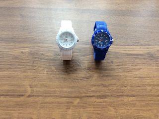 2 Relojes Ohla Watcches, de Quartz, Blanco y Azul.