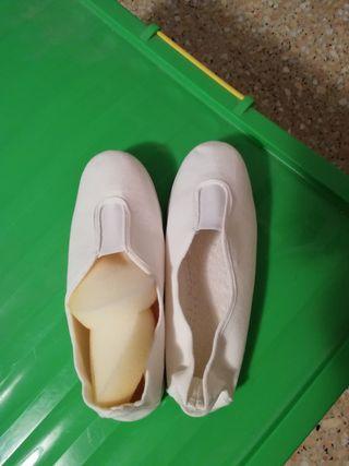 Zapatillas Victoria.