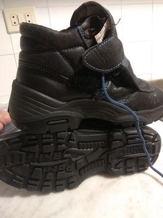 botas dé seguridad negras ,