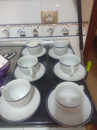 Juego de 6 tazas de porcelana.