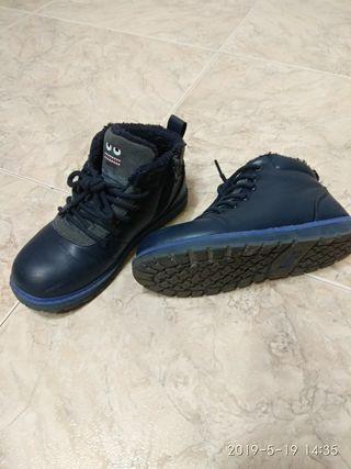 botas niño talla 33