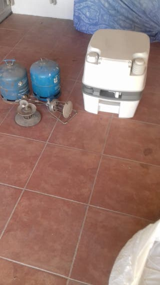 lote de 2 bombonas y lampara de gas y wc quimico
