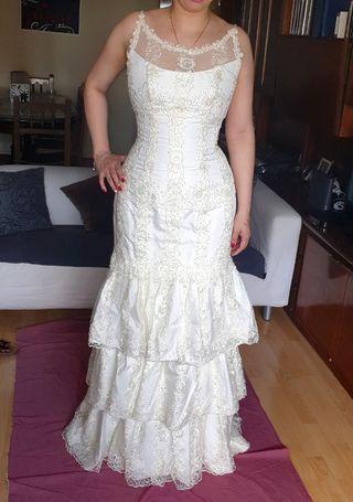 d93210937d Vestido de novia cortos de segunda mano en Madrid en WALLAPOP