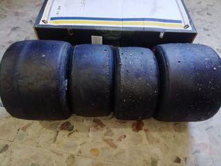 juego de neumáticos vega verde casi nuevos