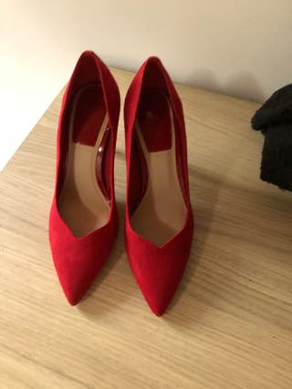 Zapato rojo sin estrenar