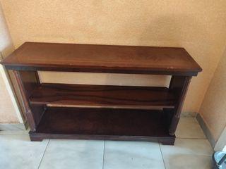 mueble bajo antiguo