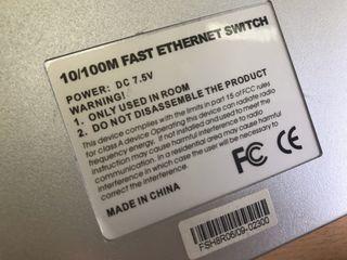 Router Linksys VRT160N V2 + Switchs