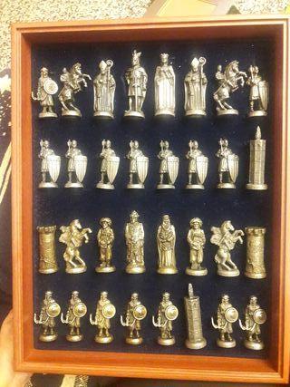ajedrez valenciano figuras de bronce