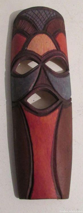 Mascara étnica madera