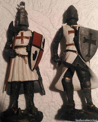 Lote de Figuras Edad Media cruzados