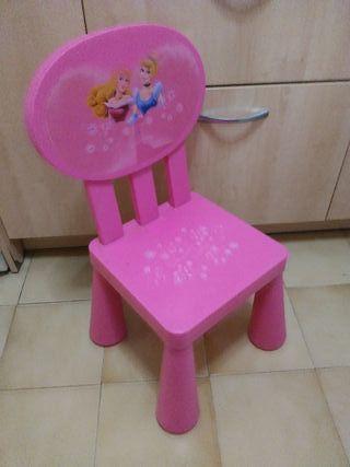 silla rosa de princesas con respaldo