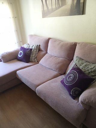 Vendo sofá en buenas condiciones,muy cuidado