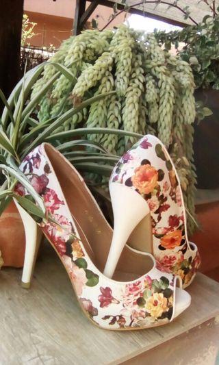 zapatos de tacón estampados