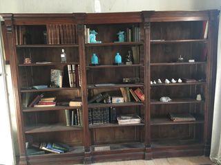 Libreria madera oscura