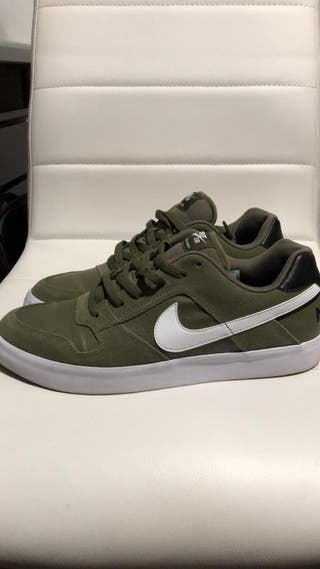 Nike SB Delta Force talla 43-44 impermeabilizadas