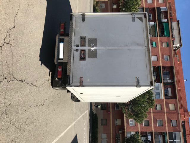 camion nissan cabstar caja cerrada