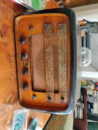 Carcasa de Radio Antigua