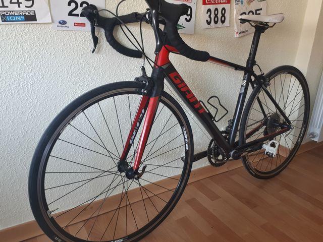 Bicicleta carretera Giant Defy