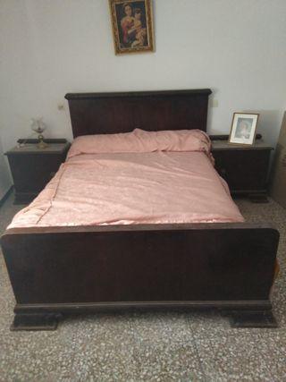Muebles antiguos. Dormitorio