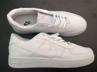 Zapatillas Nike Air force talla 44