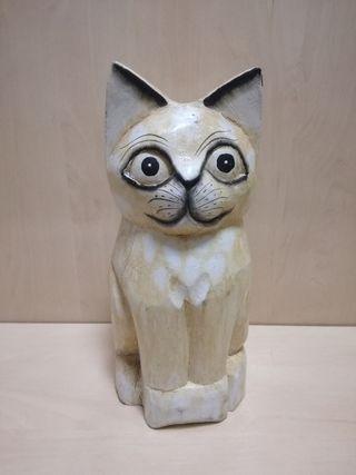 Gato de madera lacado