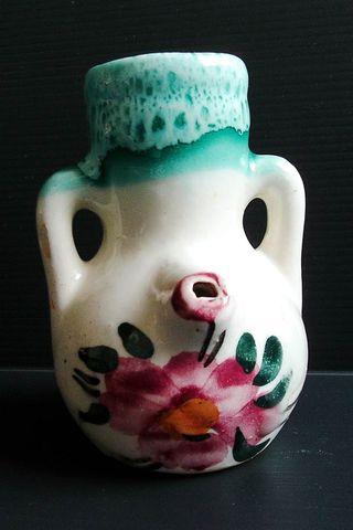 Antiguo porrón de cerámica típico de Jaén