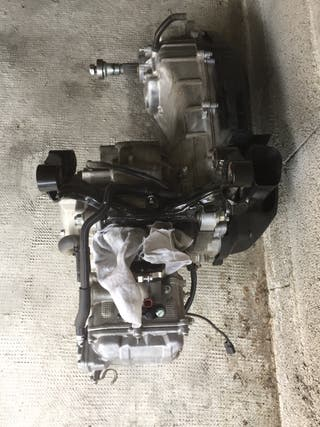 Motor yamaha xmax 300